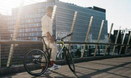 MV Agusta entra nel settore della mobilità elettrica con le nuove e-bike AMO, superleggere e dall'inconfondibile stile